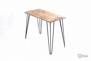 patas de hierro con tablón de madera