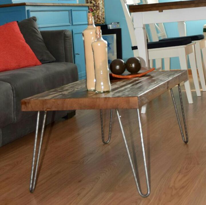 Mesa con patas de hierro hairpin leg