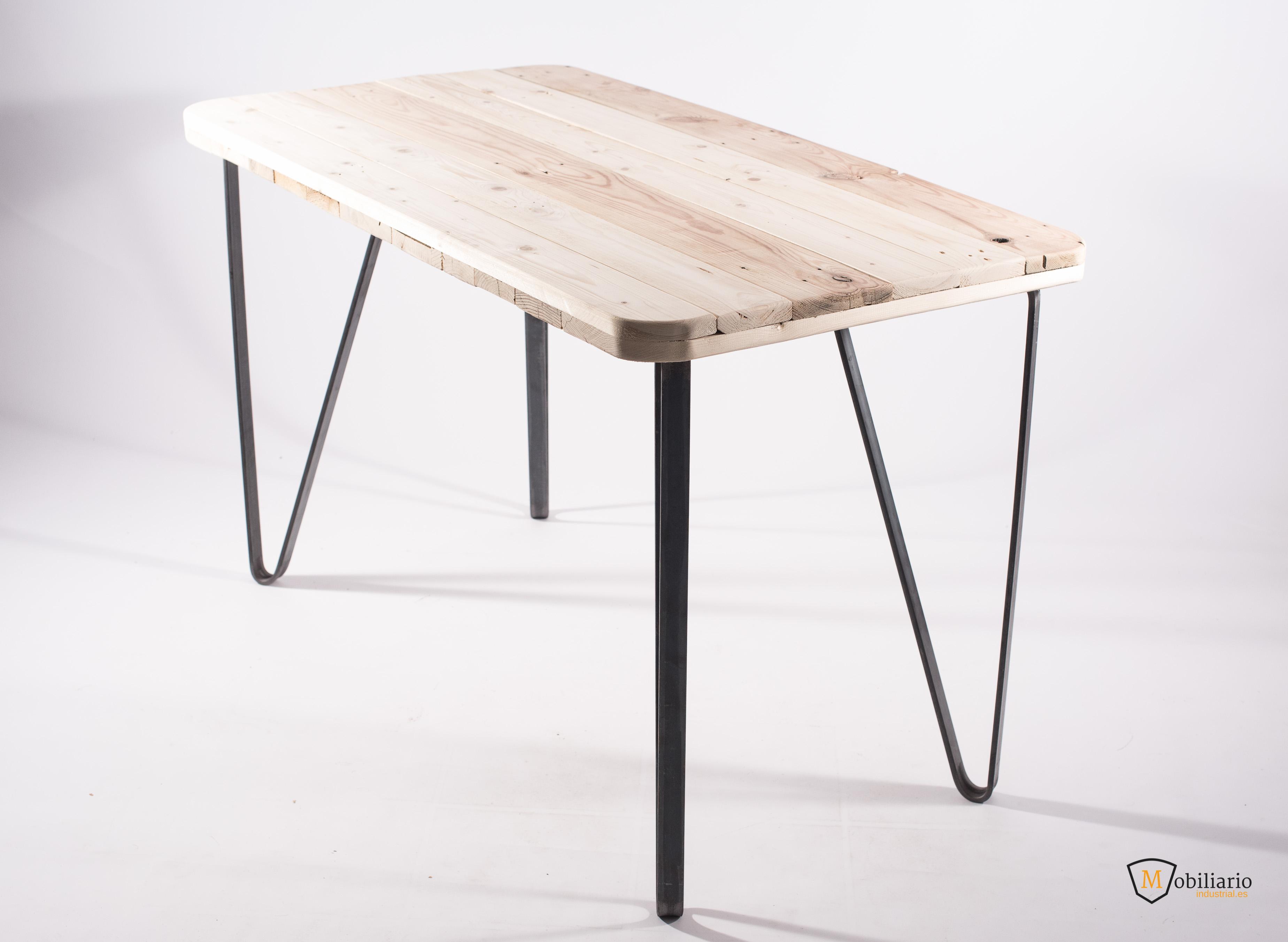 Cómo fabricar una mesa de Estilo Industrial por menos de 150 €?