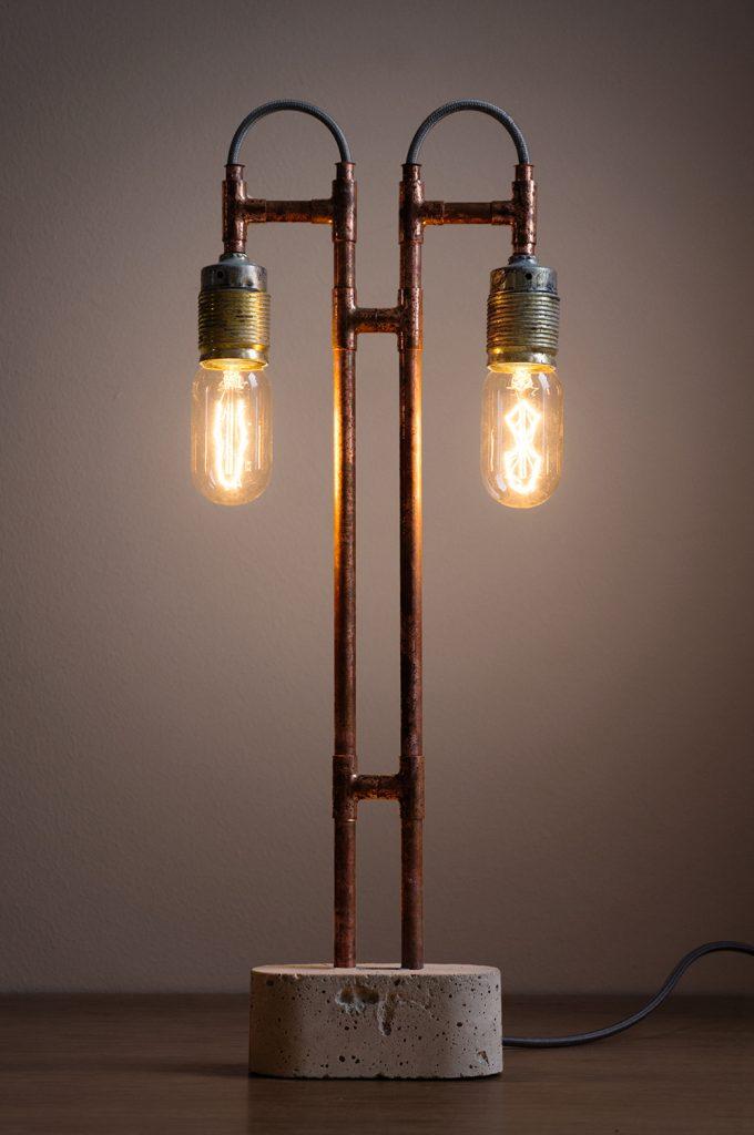 lámpara con piezas fontanería