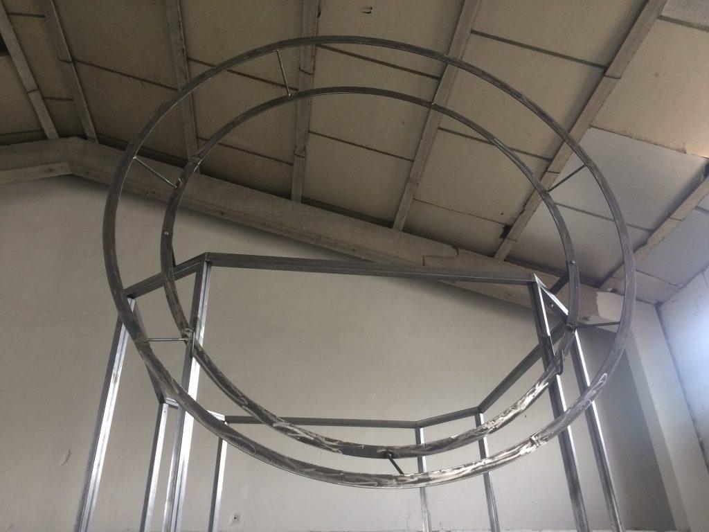 estructura superior del stand de diseño