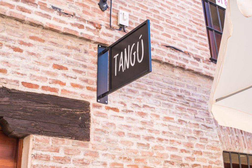 Banderola Hamburguesería Tangú