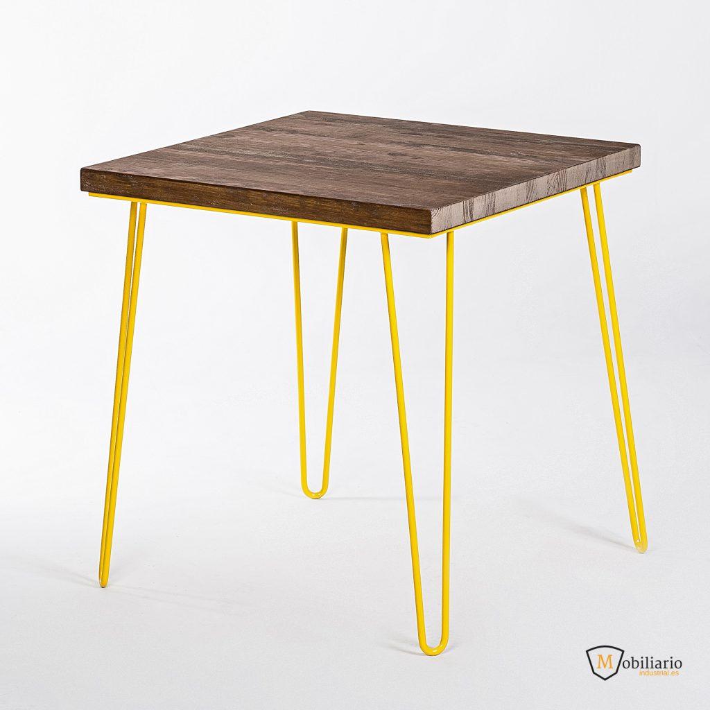 Mesa amarilla de Mobiliario Industrial para Hamburguesería Tangú