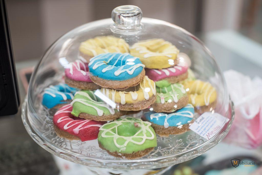 galletas de colores decoración mobiliario peluquería canina