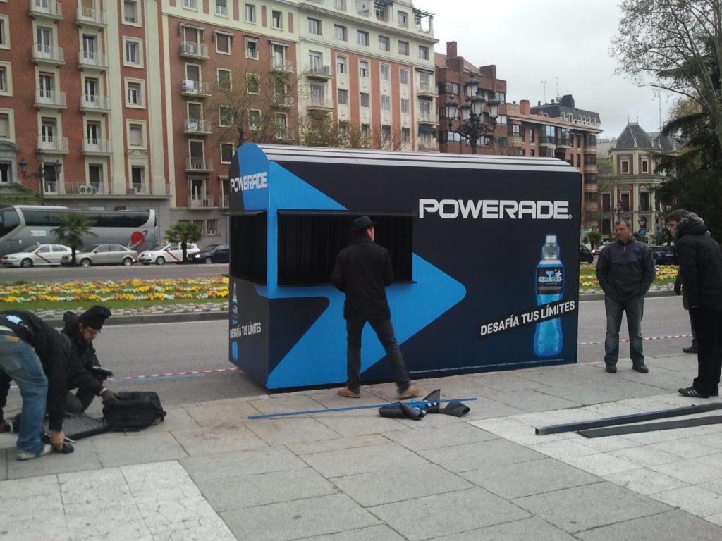 Fabricación de kiosco simulado o atrezo para Powerade