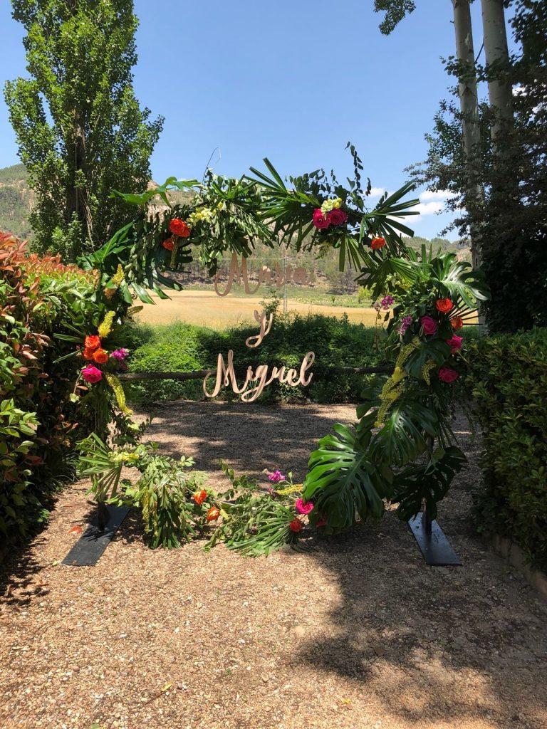 Mobiliario para eventos Estructura floral para boda