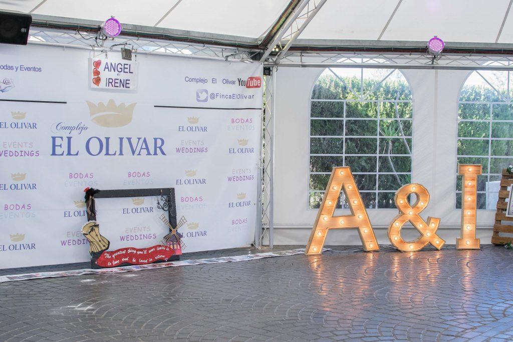 Mobiliario para eventos letras gigantes con bombillas