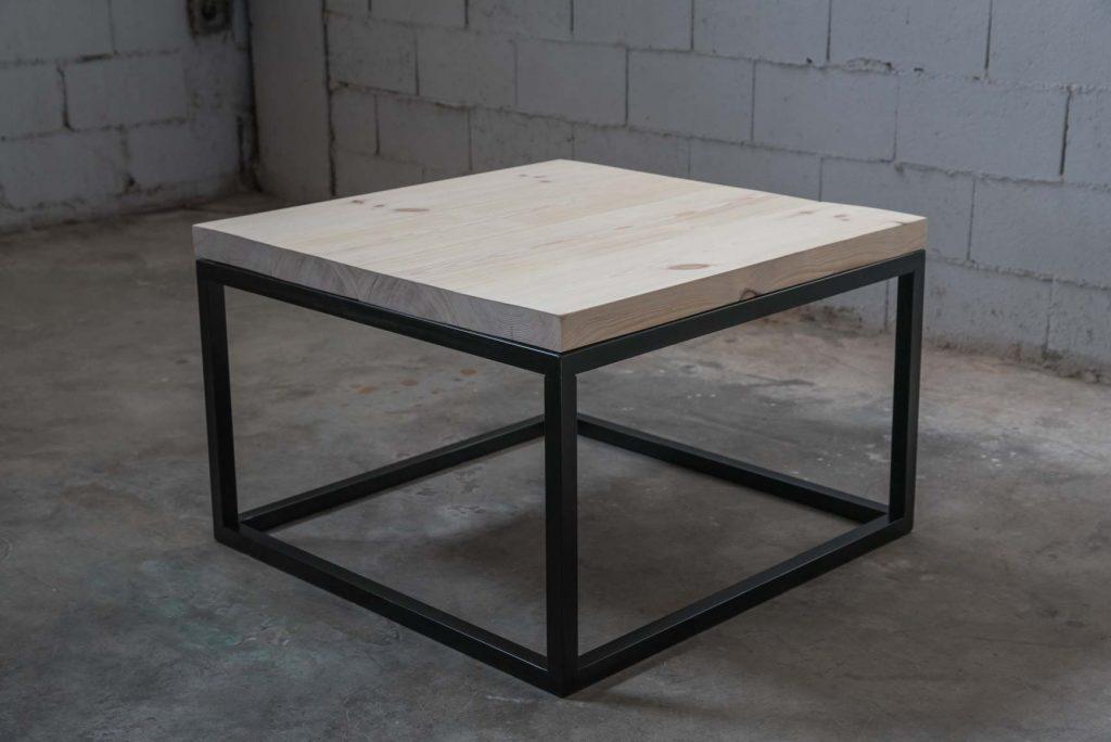 mesa a medida baja cuadrada con tapa de madera