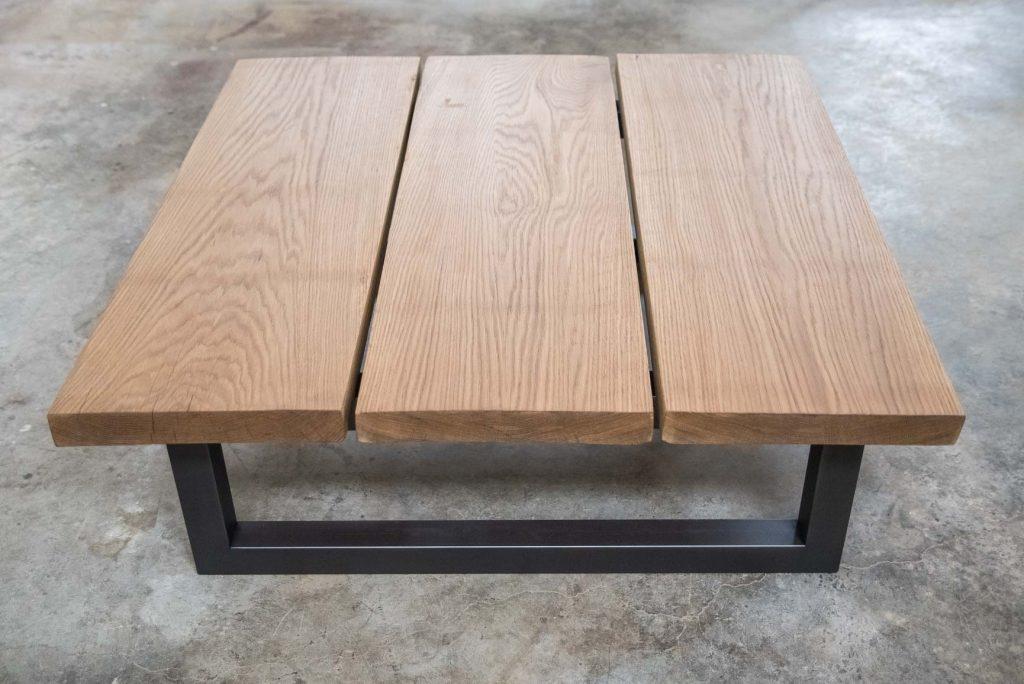 mesa de tablones de madera